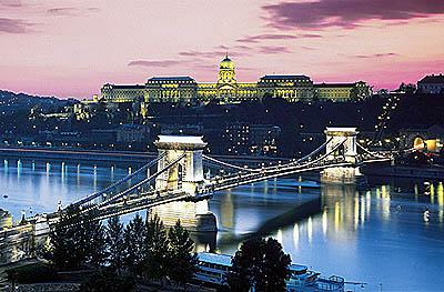 Samo 150 din kupon kojim ostvarujete cenu od 15 EUR za jednodnevni izlet u Budimpeštu! Termin 27.01., 24.02. i  24.03.2017.!