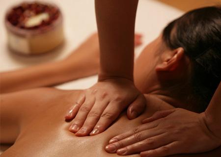 Samo 290 din terapeutska ili relaks masaža leđa (za oba pola) studio Lady 9 Zemun! Oslobodite se bolova i stresa!
