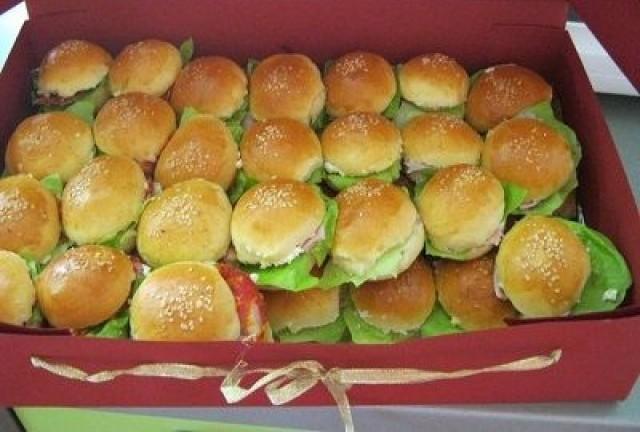 mali sendviči za rođendan Samo 500 din za 1 KG MINI SENDVIČA   za proslave, rođendane ili  mali sendviči za rođendan
