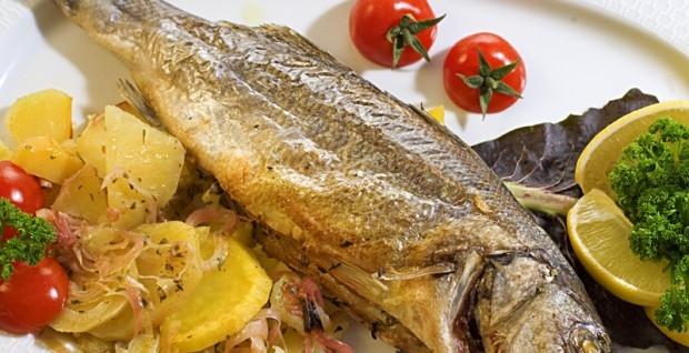 Samo 890 din ORADA ili BRANCIN + prilog, riblja čorba i dezert za 2 osobe, prvoklasna morska riba u restoranu Dunavska priča!