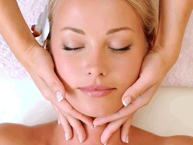 Samo 590 din klasičan (higijenski) tretman čišćenja lica u trajanju od 1.5 h + korekcija obrva i nausnica, Cherrys touch!