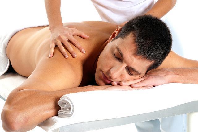 Relax (opšta) masaža u trajanju od 45 min 800 din - masažu obavljaju terapeuti Saveza slepih i slabovidih Beograda!