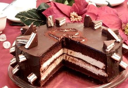 Samo 650 din za kilogram torte po izboru: čokoladna, voćna, Kinder ili Beli ili Crni Egipat! Dostava na adresu, Nanina tajna!