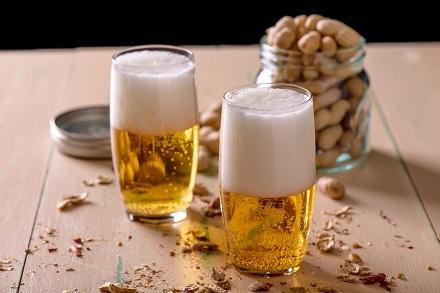Samo 250 din za 2 točena piva 0.5 + kikiriki, No Mistake u šoping centru Aviv Park, Zvezdara! Prava kombinacija za predah!
