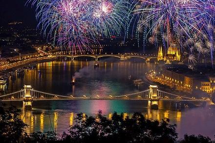 Samo 400 din kupon za Novu godinu u Budimpešti po sniženoj ceni od 49 EUR, 1 noćenje sa doručkom i prevoz, Lavli travel!