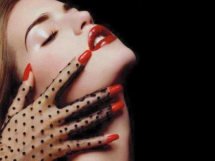 Samo 690 din za Izlivanje, nadogradnju ili korekciju noktiju + manikir u ekskluzivnom salonu lepote Lola 13 na Senjaku!